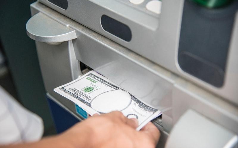 Mistmachine voor geldautomaten in Supermarkten