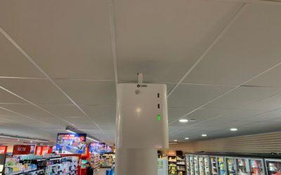Plafondbeugel voor mistbeveiliging in supermarkten